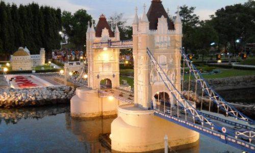 london-bridge-replica