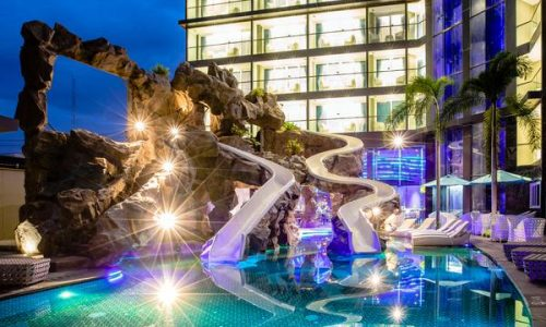 סנטרה אזור Centara Azure Hotel Pattaya